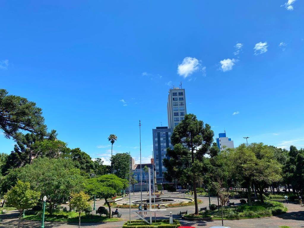 Praça Caxias do Sul (foto: Ângela Quinelato - www.passeios.org)