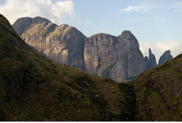 Parque Nacional Serra do Órgãos RJ (Foto: http://www.icmbio.gov.br/parnaserradosorgaos/galeria-imagens/category/1-paisagens.html)