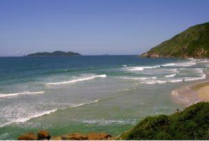 Praia da Solidão Florianópolis SC (Foto: http://www.imobiliariaflorianopolis.com/florianopolis/praias-em-florianopolis/29-praia-solidao.html)