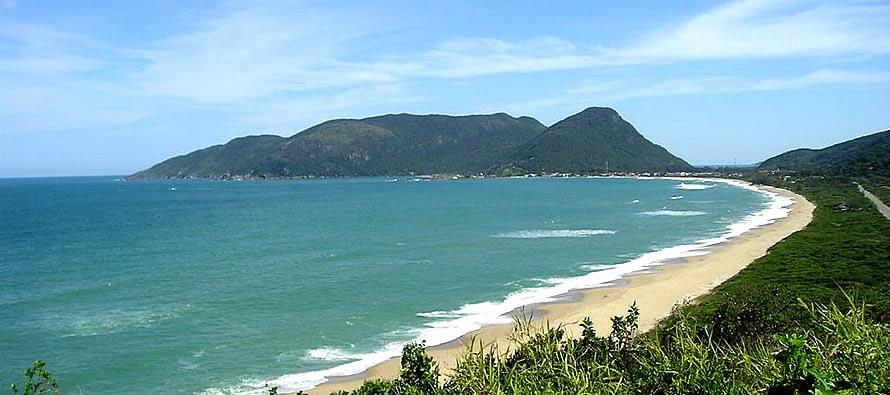 Praia de Armação Florianópolis SC (Foto: http://www.pousadasdefloripa.com.br/armacao/)