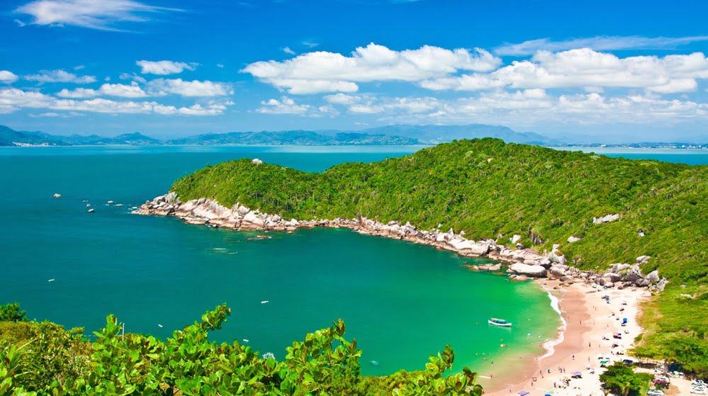 Costa da Esmeralda SC (foto fonte http://www.bombinhas.com/praias/)