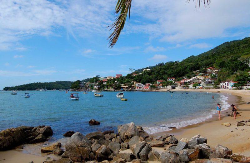 Porto Belo SC (foto fonte http://editalconcursosbrasil.com.br/concursos-abertos/sc/2017/05/concurso-prefeitura-de-porto-belo-sc-2017/)