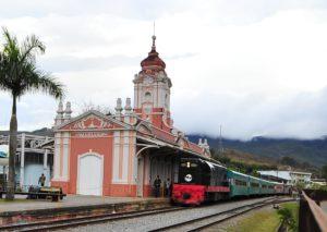 Estação de Mariana MG (Foto: //turismo2014.mariana.mg.gov.br/uploads/portal_turismo_mariana_2014/prefeitura/distritos/atrativos/50bc509e999c3befcc61ed87772aab6c.jpg)
