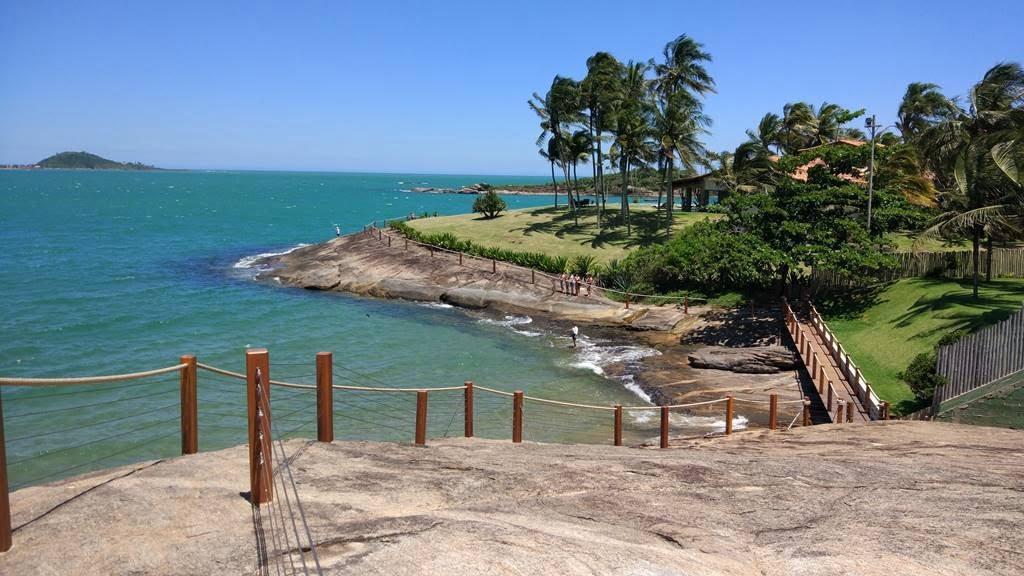 Guarapari ES ( foto fonte http://www.capixabadagema.com.br/praia-dos-adventistas-em-guarapari-es-como-chegar/)