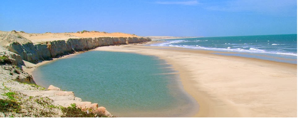 Praia de Uruaú Beberibe CE (foto fonte http://praiadeuruaupousadazen.blogspot.com.br/2013/11/praia-de-uruau.html)