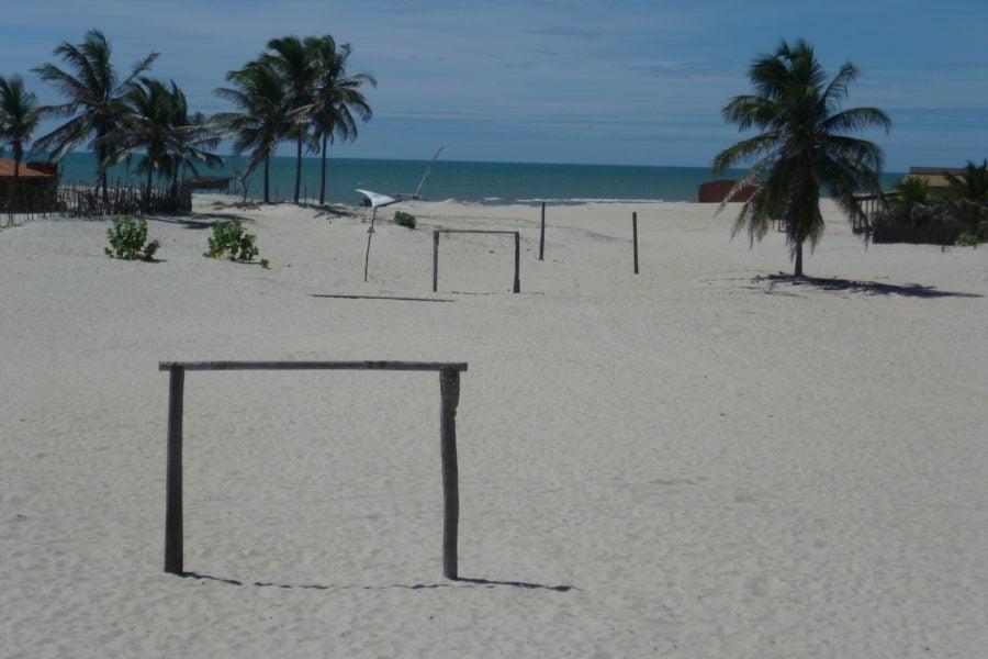 Praia do Canto Verde CE (foto fonte http://pangeasostenible.org/2012/01/prainha-do-canto-verde-ceara-brasil/)