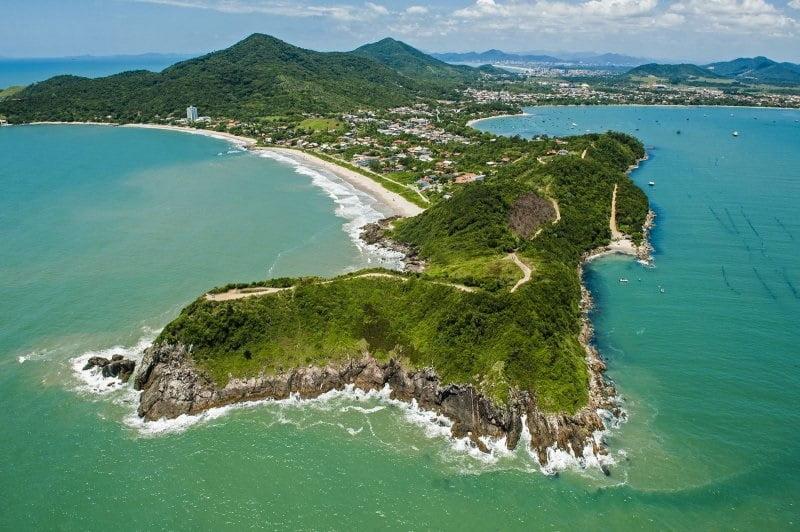 Praias Penha SC (foto fonte http://turismo.sc.gov.br/institucional/index.php/pt-br/component/phocagallery/55-costa-verde-e-mar-penha/detail/450-praia-vermelha-penha6500-penha6500)
