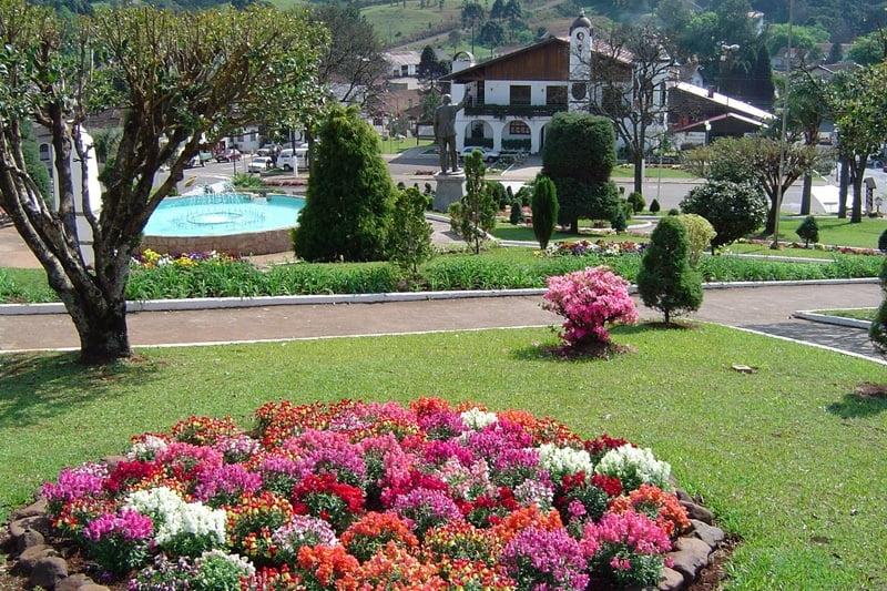 O que fazer em Treze Tílias SC ( foto fonte http://www.hotelalpenrose.com.br/treze-tilias)