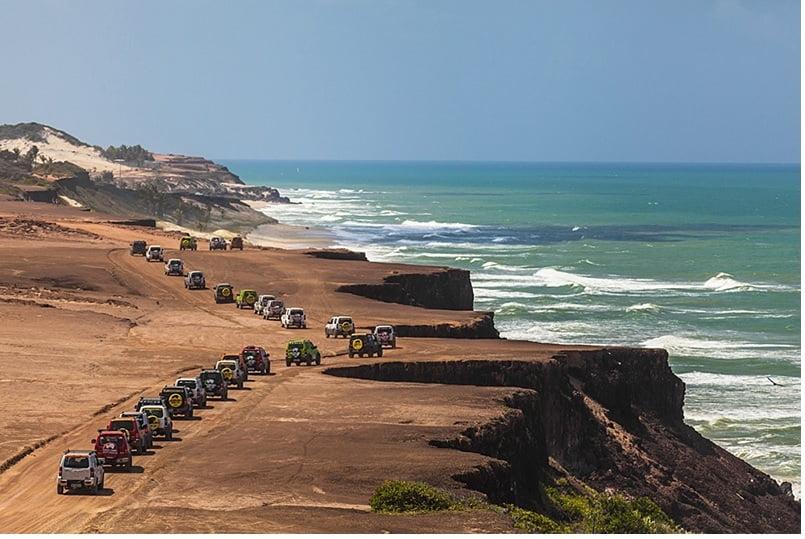 Praia da Pipa (foto fonte http://maisoffroad.com/2014/10/16/suzuki-adventure-recebe-600-convidados-na-praia-da-pipa-rn/)