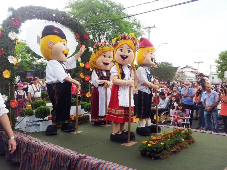 Oktoberfest Igrejinha 2018( foto fonte http://www.brasilalemanha.com.br/novo_site/noticia/venha-para-a-oktoberfest-igrejinha-de-10-a-19-de-outubro-acesse-as-ultimas-noticias/4991)