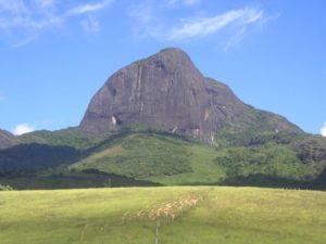 Pico do Papagaio (foto http://mapio.net/pic/p-1501378/)