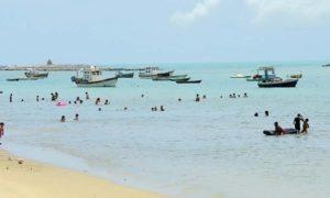 Praia do Rio Doce (foto https://www.empetur.com.br/pernambuco/olinda/olinda-principais-pontos-turisticos/)