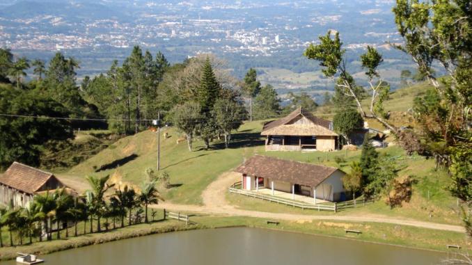 Circuito Vale Europeu (foto https://www.baixaki.com.br/papel-de-parede/38823-alto-sao-bernado-rio-dos-cedros-sc-.htm)
