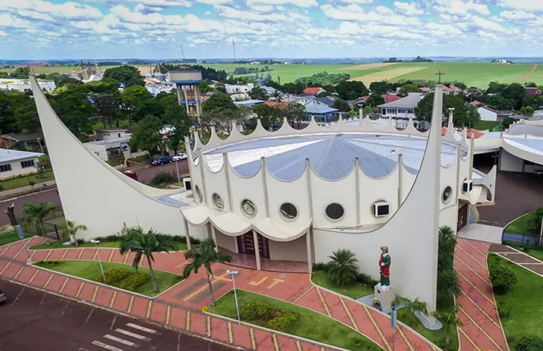 Igreja Matriz Paróquia São Judas Tadeu - Corbelia (foto http://www.viajeparana.com/Corbelia)
