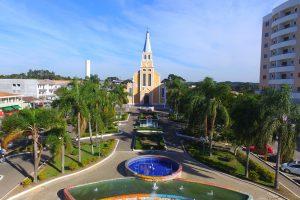 Mandirituba - Praça Bom Jesus e Igreja Matriz (foto http://www.viajeparana.com/Mandirituba)
